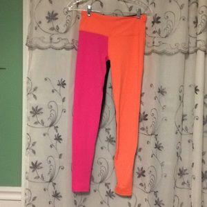 Victoria's Secret sport wear size S NEw